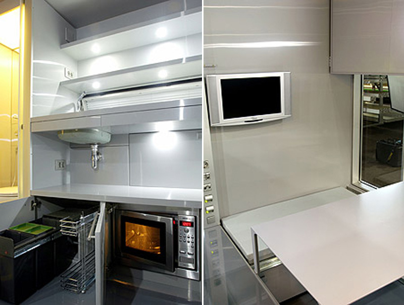 Fitted Kitchen Featuring A Range Cooker And Extractor Cardiff