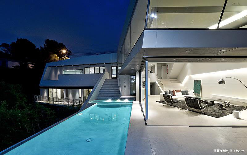 New Home Designs Latest Modern Homes Ultra Modern: Ultra Modern Angular Mulholland Home With Spillover Pool