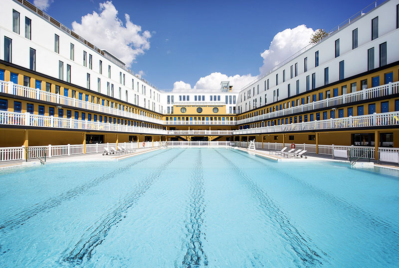France 39 s molitor swimming baths re open with new rooms for Molitor swimming pool paris