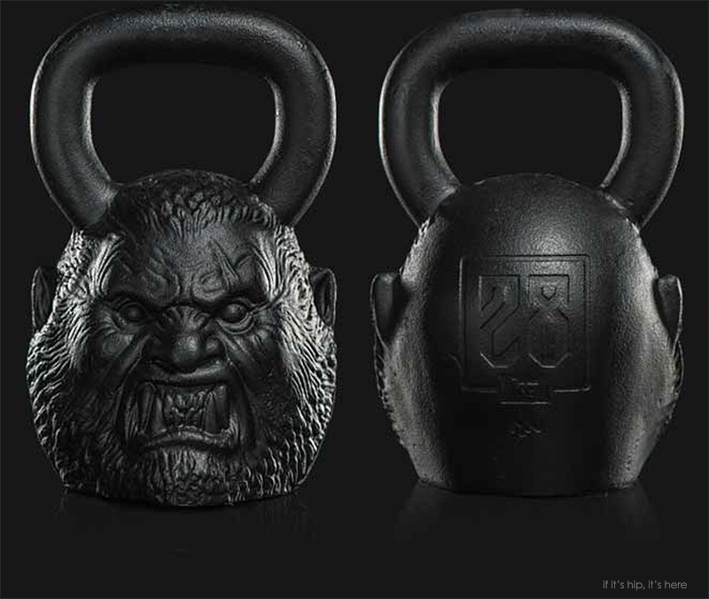 werewolf kettle bell front and back IIHIH