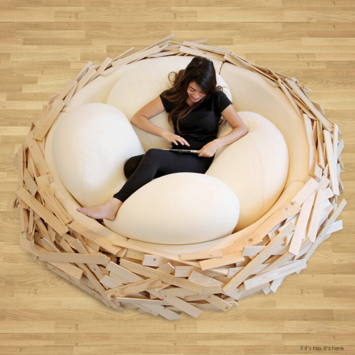 Read more about the article The Giant Birdsnest Bed Evolves Into A Formidable Piece of Furniture.