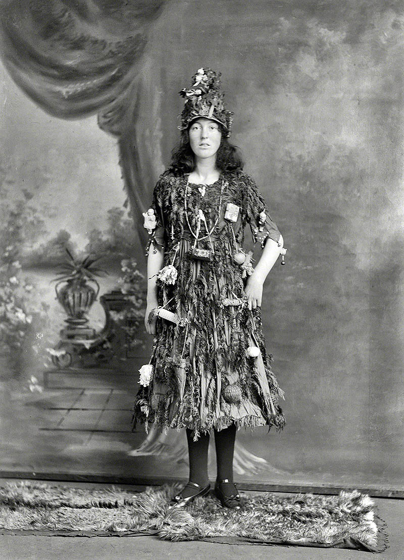 20 great vintage christmas photos from the early 1900s if it s 20 great vintage christmas photos from the early 1900s if it s hip it s here