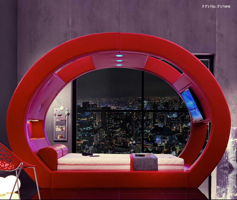 Eclipse bed in red