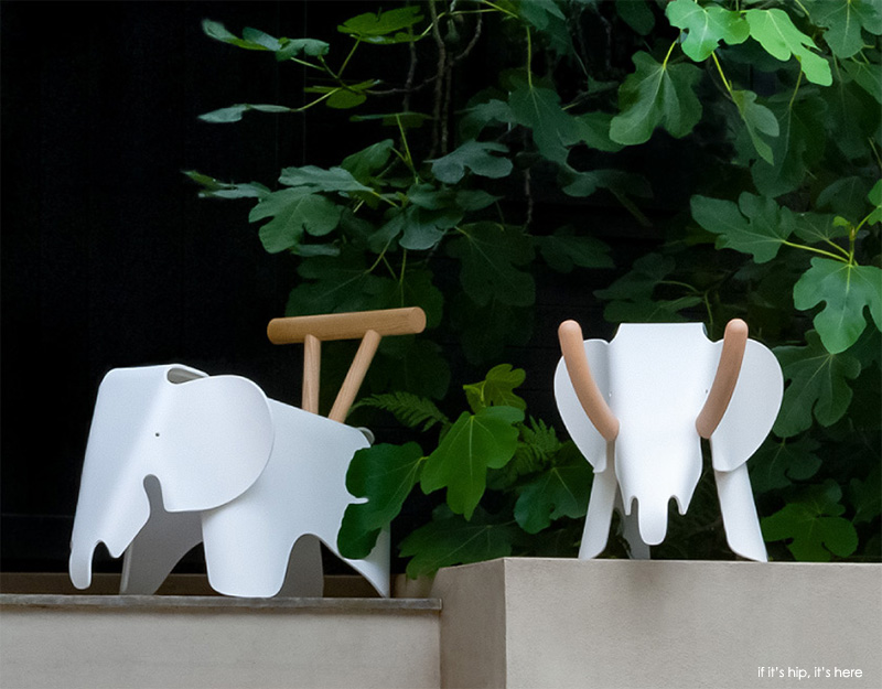 22 artist customised eames elephants to benefit charity. Black Bedroom Furniture Sets. Home Design Ideas