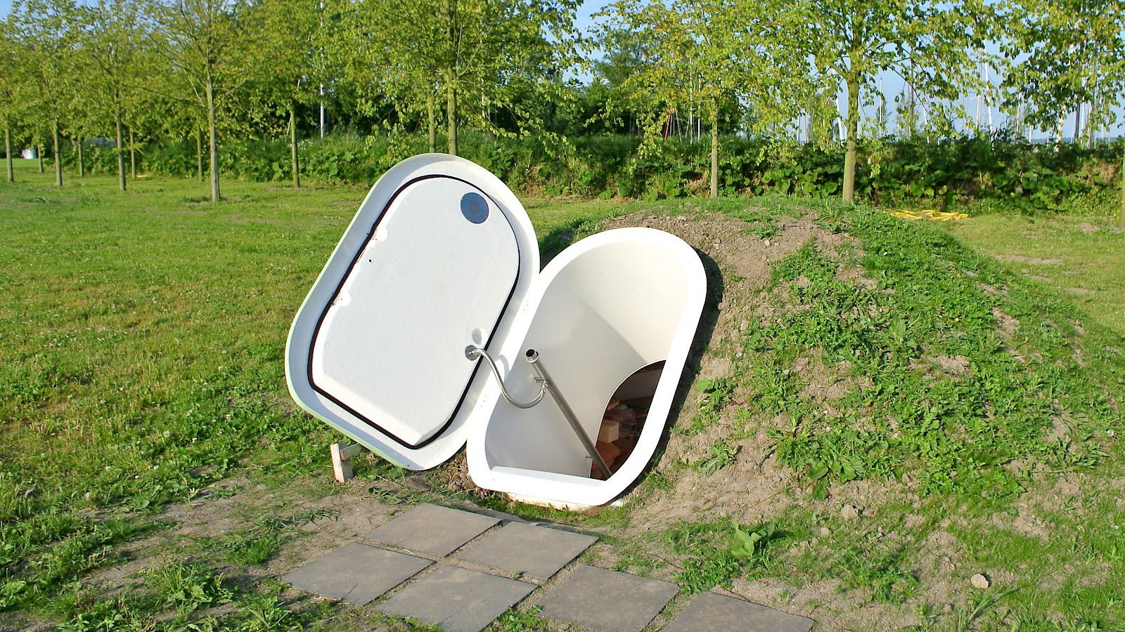 weltevree groundfridge is a pre fabricated underground cellar