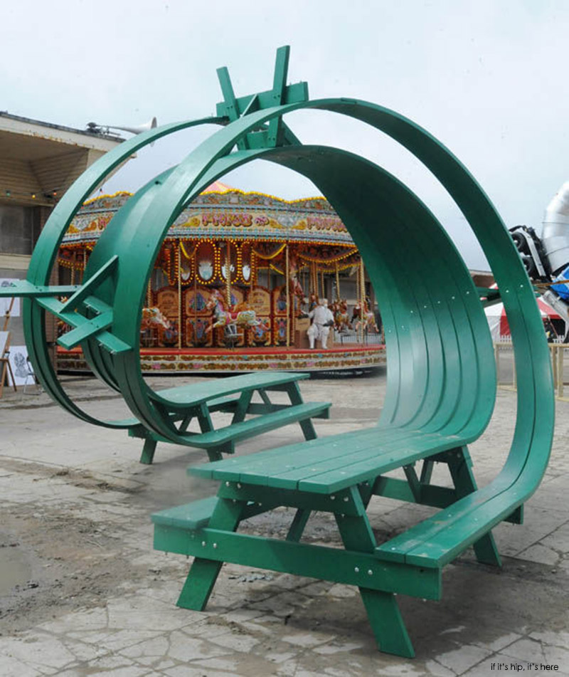 dismaland twisted bench