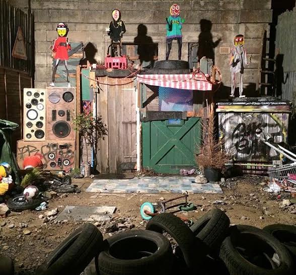 paul insect fly tip theater dismaland_