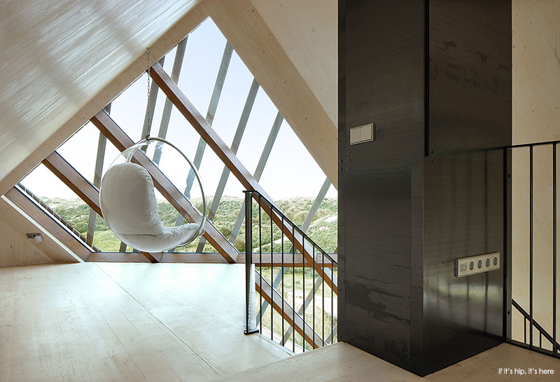 Inside and out of marc koehler 39 s dune house if it 39 s hip it 39 s here - The dune house the floating roof ...