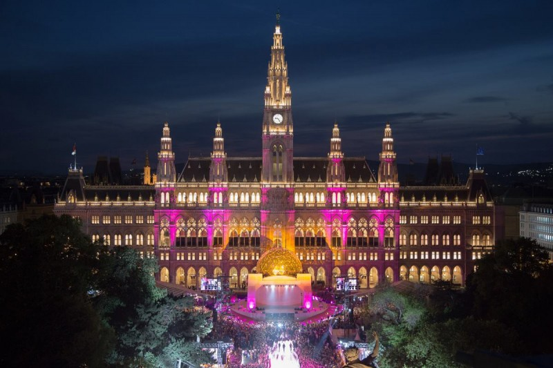 Vienna City Hall outfitted for the event by Christoph Leder