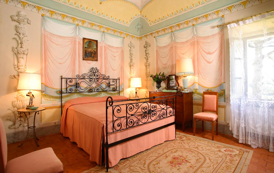 Italian themed bedroom