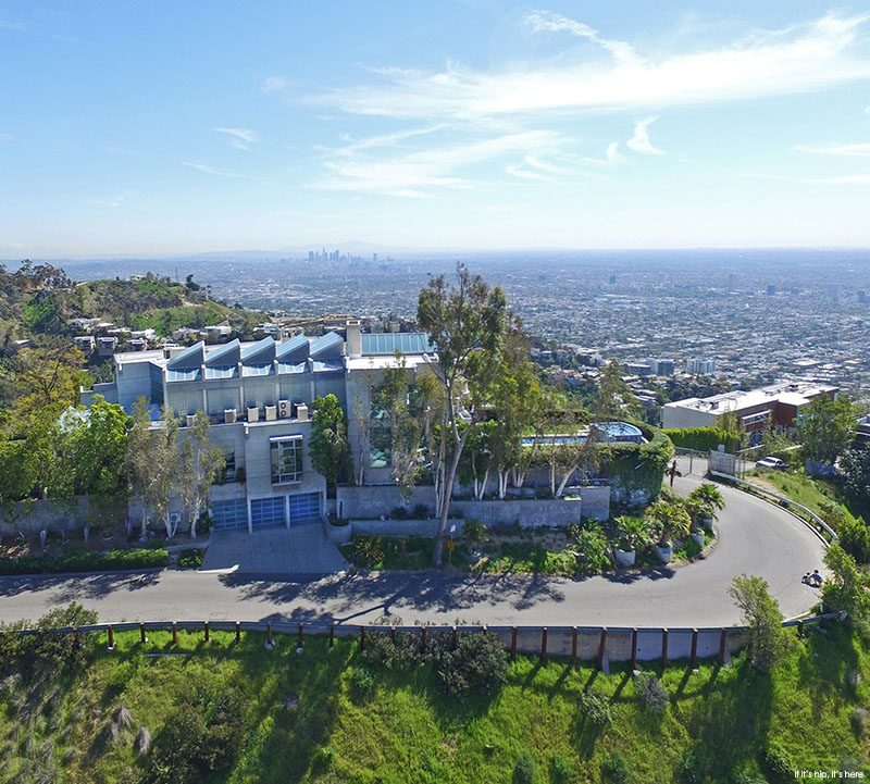 enormous homes in los angeles