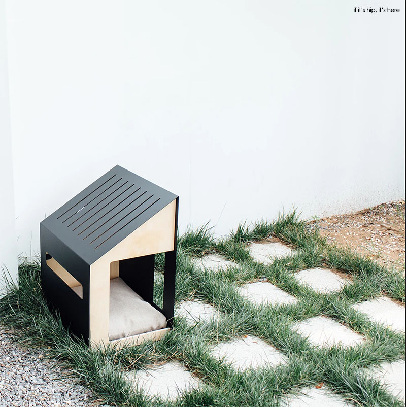 Bad marlon architectural dog houses on if it 39 s hip it 39 s here for Architecture and design dog house