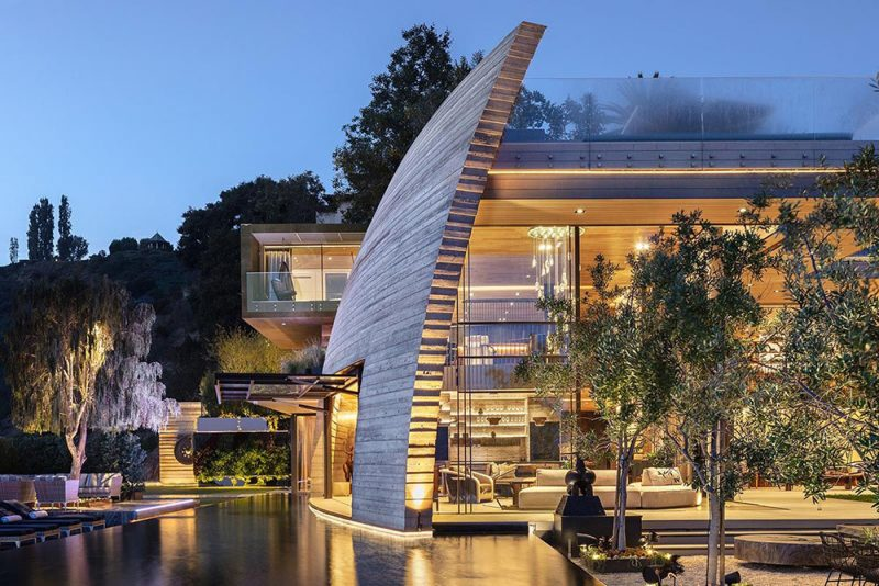 Pacific Palisades Mega Mansion Replaces Cliff May House