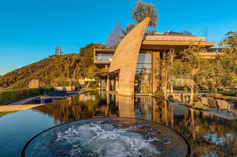 modern luxury home pacific palisades