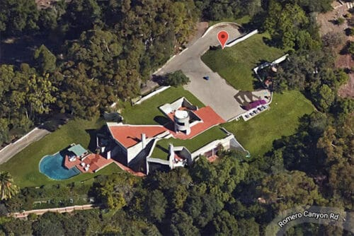 Read more about the article The Mud House Once Owned By Steve Martin