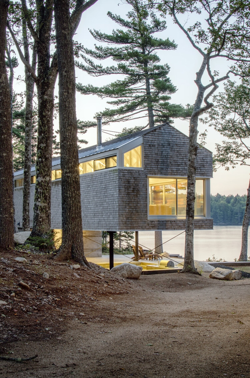 Mirror Point Cottage by MacKay-Lyons Sweetapple