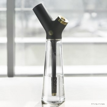 Swanky New Aura Water Pipe Gets Honored For Design